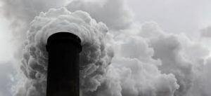 Kép egy szén erőmű kéményéről.