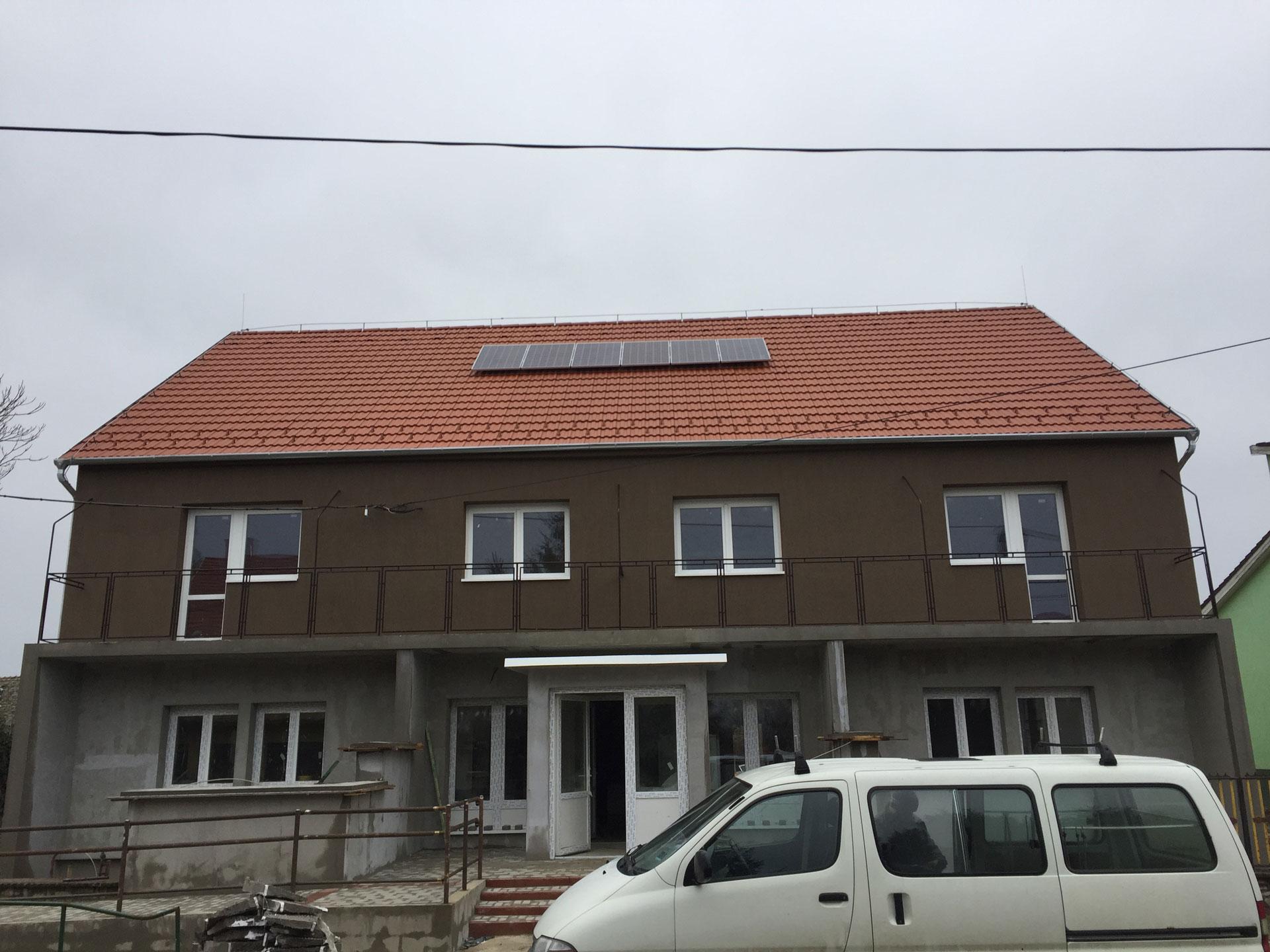 Bácsbokod, Bács-Kiskun-Megye 2kW-os napelem rendszer orvosi rendelő