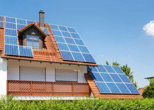 Családi ház méretű napelemes rendszer