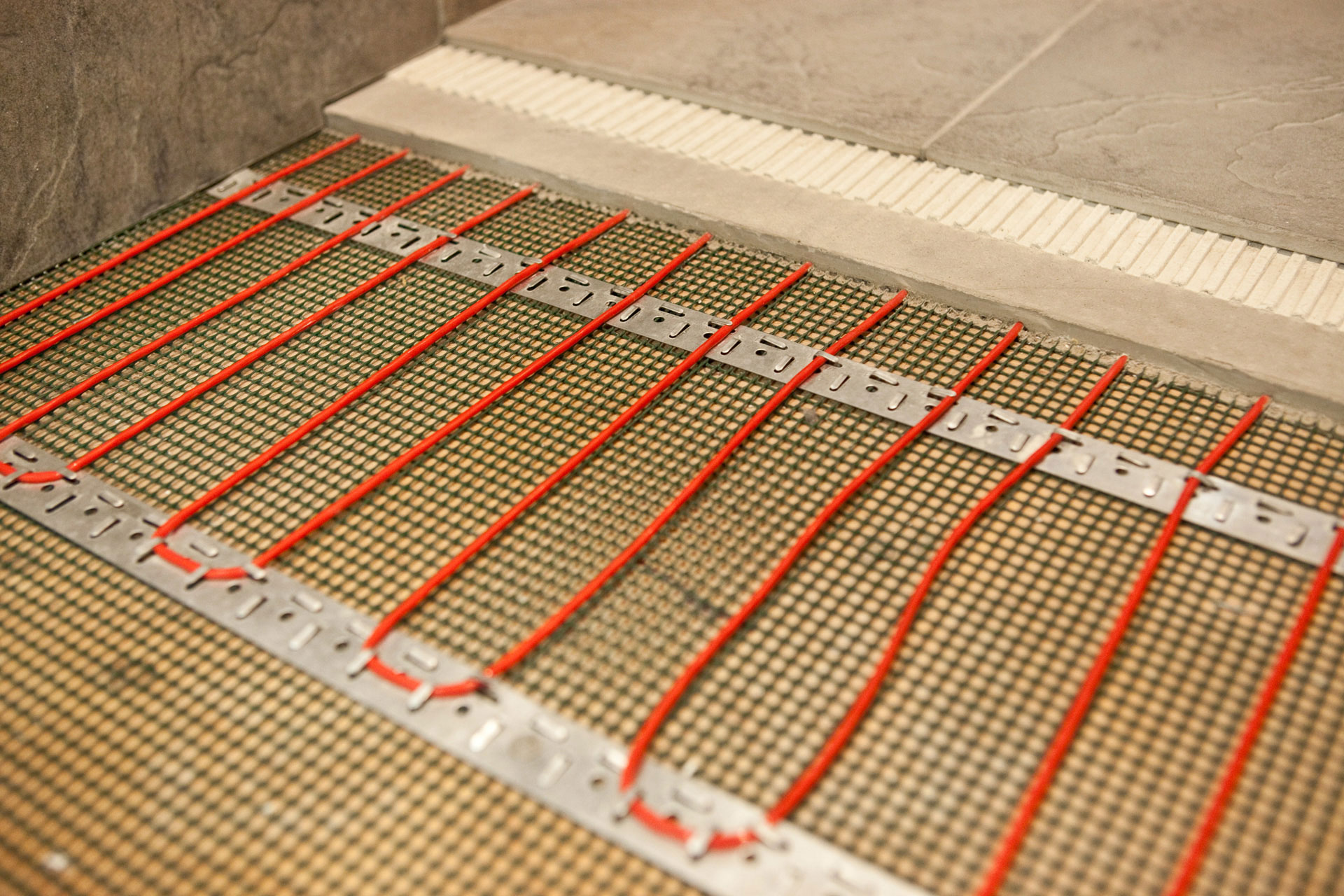 Elektromos padlófűtés napelemmel, mint megújuló energia, olcsó fűtés