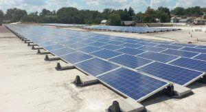 Lapos tetős napelem rendszer telepítés