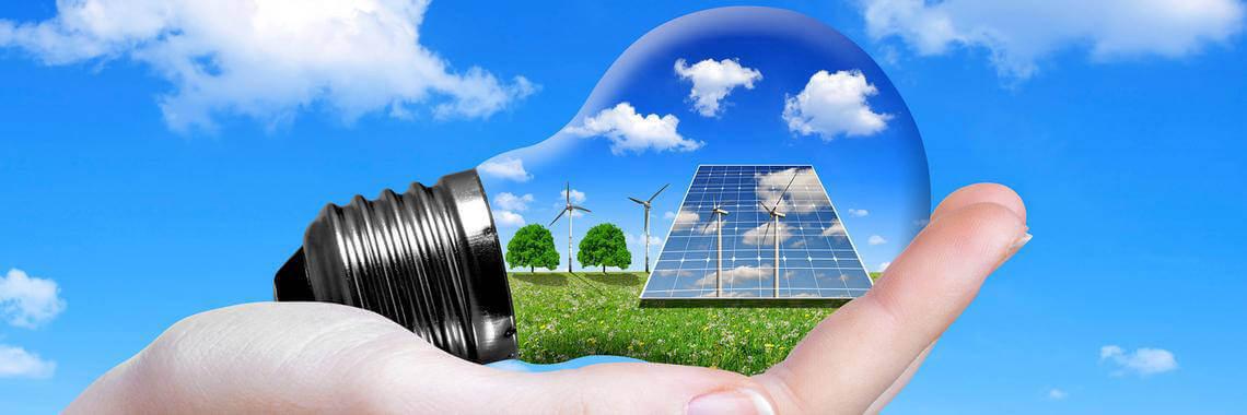 Napenergia mint megújuló energiaforrások gazdasági és környezeti hatásai.