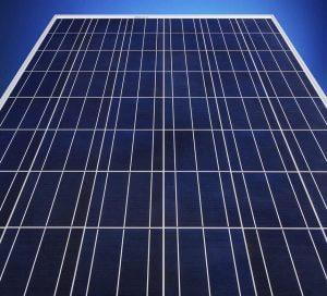 Napelem panel második felsorolt fajtája a polykristályos napelem.