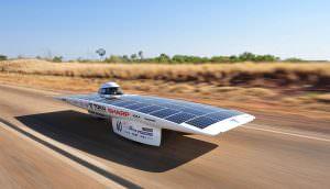 Sunswift IVY a napelemes autó rekorddöntési kísérlete.