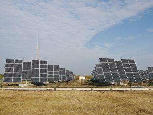 A megújuló energiát felhasználó Újszilvás naperőműve.