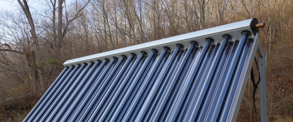 Medencefűtés napkollektorral, meleg víz megújuló energiával